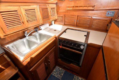 Ocean Alexander 43 Double Cabin image