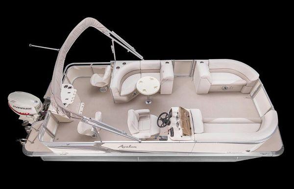 2017 Avalon Lsz Rear Fish - 24'