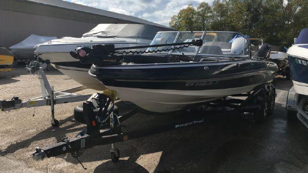 Ranger 2050LS Reata Fish Ski