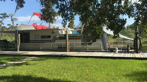 Summerset Houseboats Houseboat