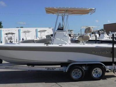 2020 NauticStar<span>227 Bay</span>