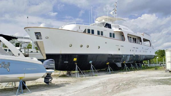 Benetti Custom Enclosed Pilothouse with Flybridge
