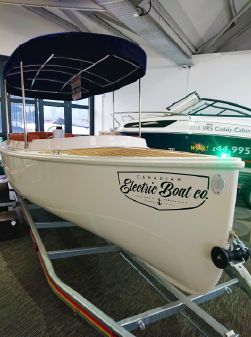 Canadian Electric Boats Fantail image