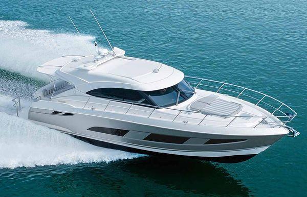 2019 Riviera 4800 Sport Yacht