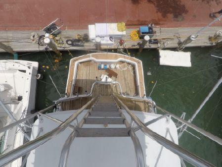 Hatteras Enclosed Bridge image