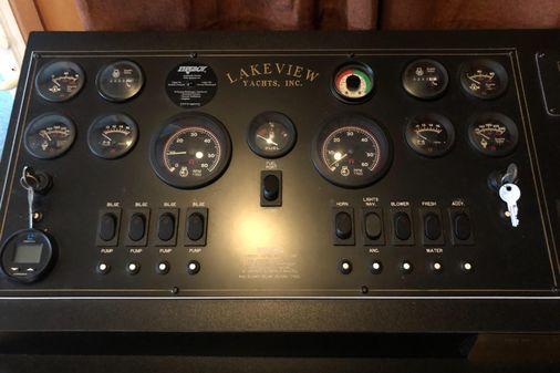 Lakeview 68X16WB image