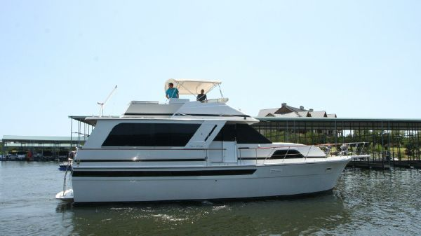 Chris-Craft 501 Motor Yacht