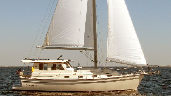 Island Packet SP Cruiser-Motorsailer