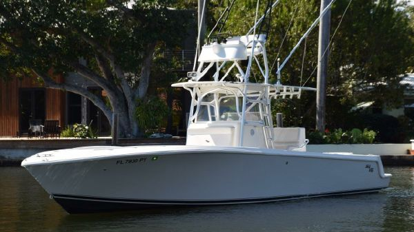 SeaVee 34 Inboard CenterConsole
