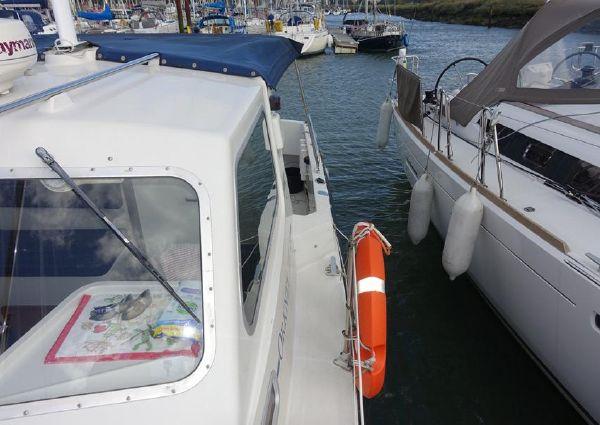 Orkney 24 Pilot House image