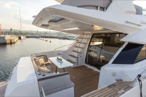 Galeon 660 Fly image