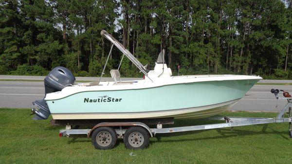 NauticStar 19XS