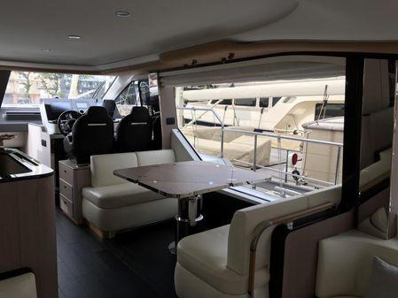 Azimut 60 Flybridge image