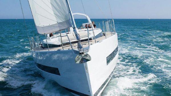 Beneteau Yacht 62