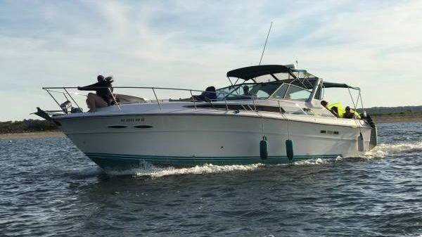 Sea Ray 39