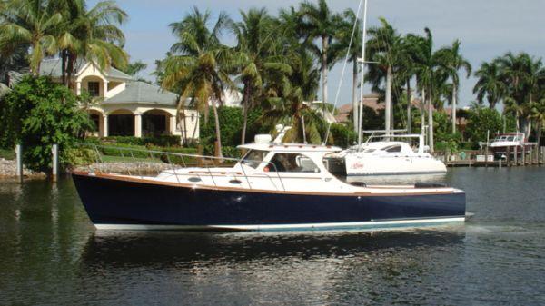 Hinckley 36' Hinckley Picnic Boat