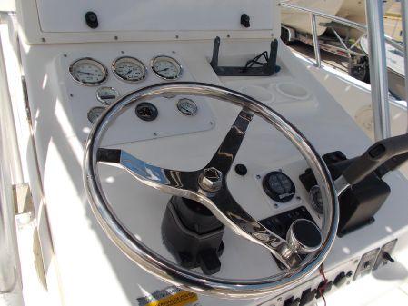 Sea Pro 255 Center Console image