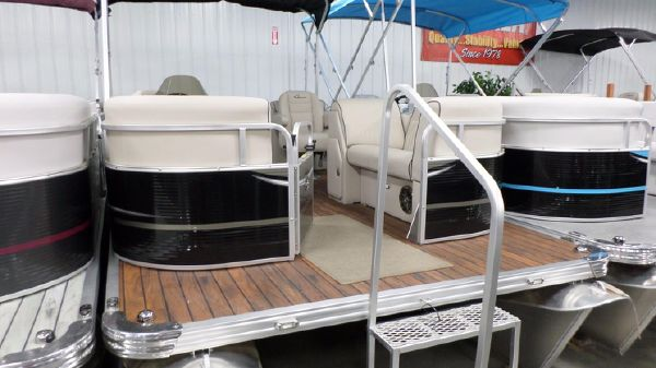 APEX MARINE Qwest LS 822 Lanai DS Bar