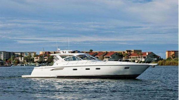 Tiara Yachts 5200 Express