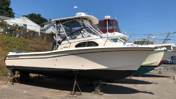 Grady-White 282 Sailfish Walkaround