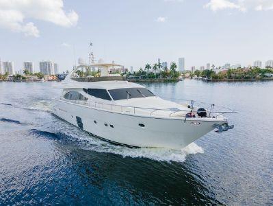 2006 Ferretti Yachts<span>830</span>