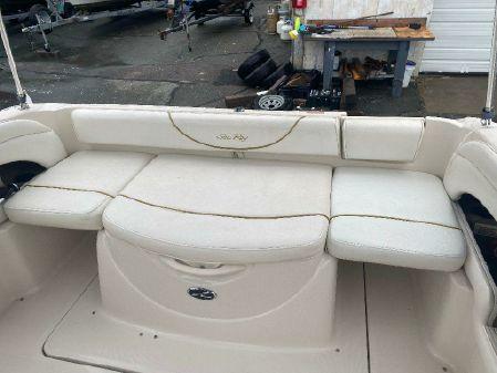 Sea Ray 225 Weekender image