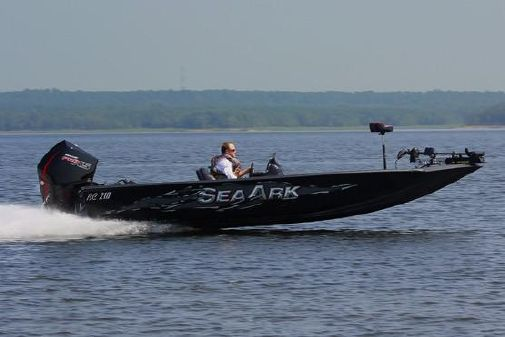 SeaArk BC 210 image