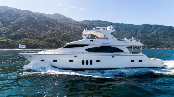 Mystica Motoryacht