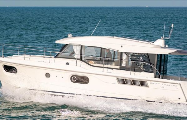 2019 Beneteau Swift Trawler 41 Sedan