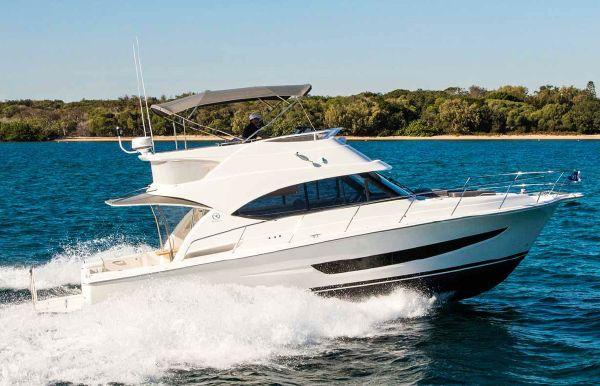 2019 Riviera 39 Sports Motor Yacht