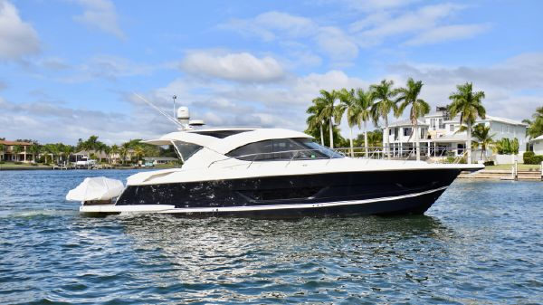 Riviera 44 Sport Yacht