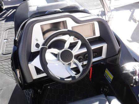 Manitou 27 XT RFXW Dual Engine image