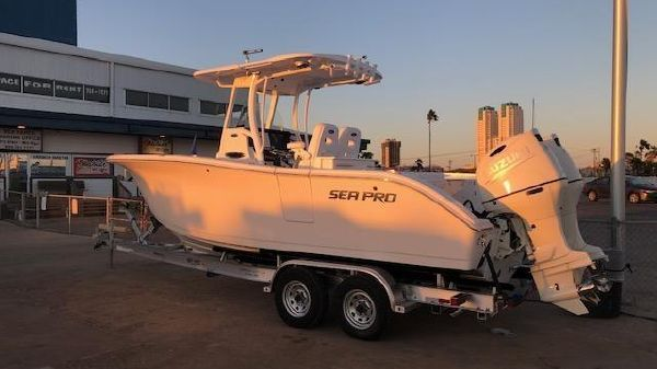 Sea Pro 259 Center Console