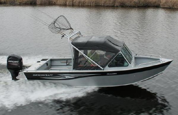 2018 Smoker Craft 202 Phantom Offshore