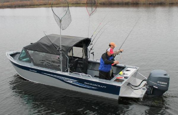 2018 Smoker Craft 222 Phantom Offshore