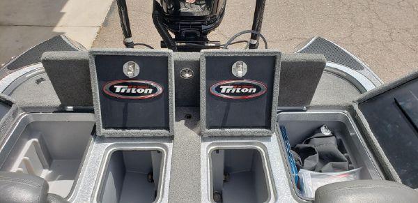 Triton 21 TRX image