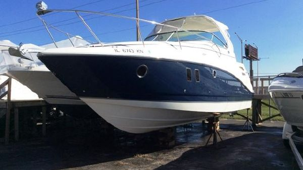 Rinker 340 Express Cruiser