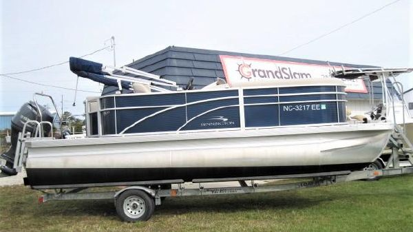 Bennington SX20 PONTOON