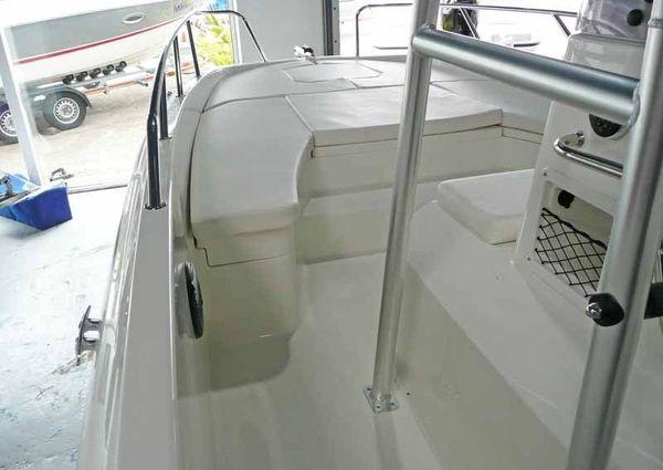 Bayliner CC7 image