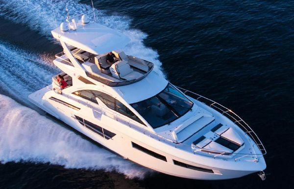 2019 Cruisers Yachts 60 Fly