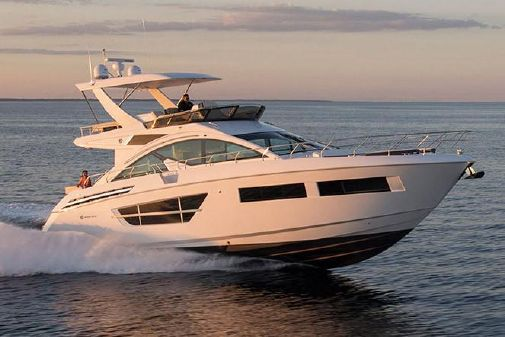 Cruisers Yachts 60 Fly image