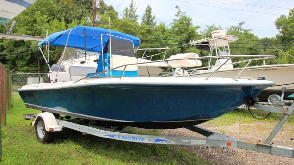 Sea Fox 19 Center Console w/Trailer