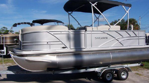 Sylvan Mirage 820 Party-Fish