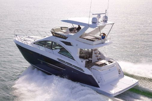 Cruisers Yachts 54 Fly image