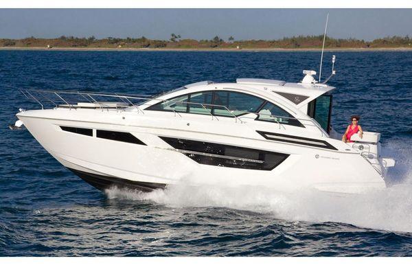 2020 Cruisers Yachts 50 Cantius