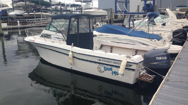 Grady-White Offshore 240