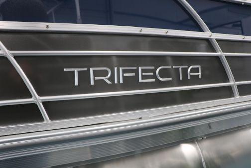 Trifecta 24RFC LE TRI-TOON image