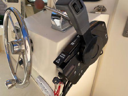 Parker 2520 Modified Vee Sport Cabin image