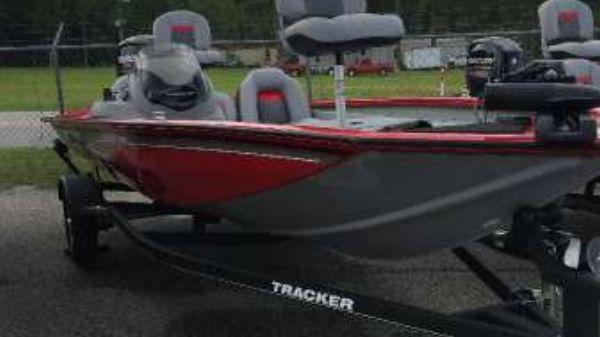 Tracker Pro Team 175 TF