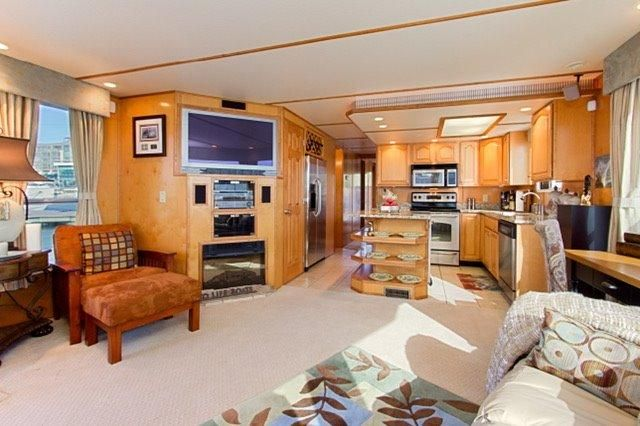 2007 Legacy Yachts Majestic River Cruiser
